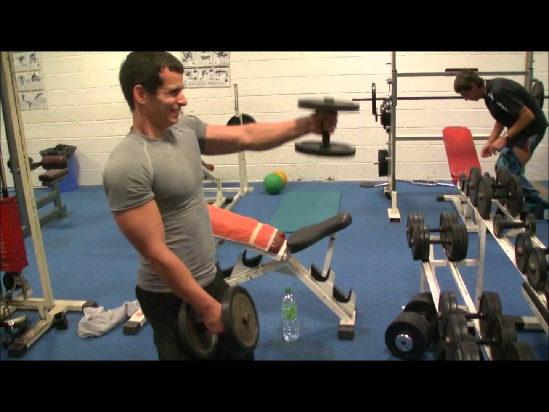 Exercice Du Sport En Videos Exercice De Musculation Avec Haltere Virtual Fitness Votre Magazine D Inspiration Sante Fitness N 1 Fitness Workout Squat Yoga Nutrition Lifestyle