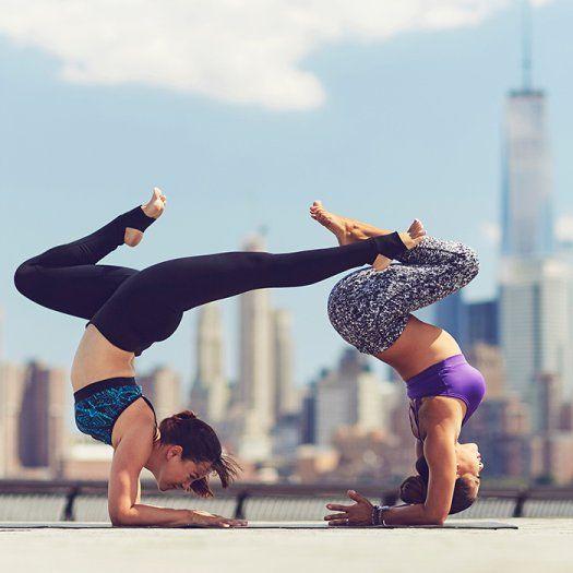 exercice du yoga essayez ce magnifique d fi de yoga de 30 jours qui sculptera et relaxera. Black Bedroom Furniture Sets. Home Design Ideas