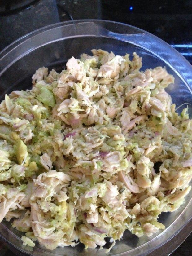 programme du r gime salade de poulet pour la table de repas du nouvel an ingr dients et. Black Bedroom Furniture Sets. Home Design Ideas