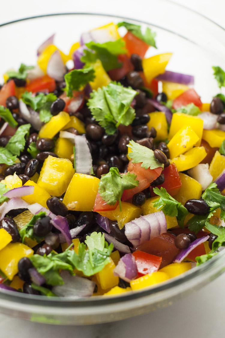 55 plats sains d'été - salsa arc-en-ciel